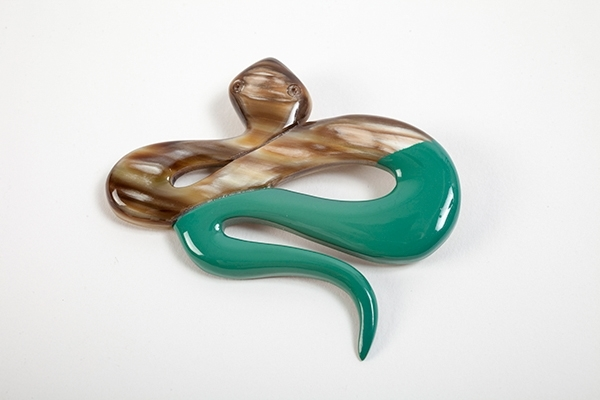 Picture of SNAKE HORN BROOCH GREEN