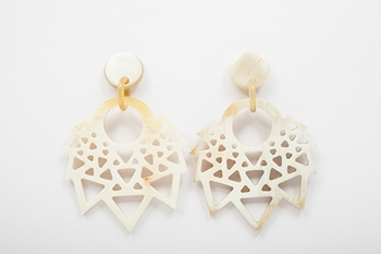 Picture of CARMEN HORN EARRING NATURAL