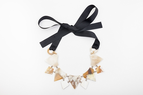Picture of TRIANGLE HORN NECKLACE