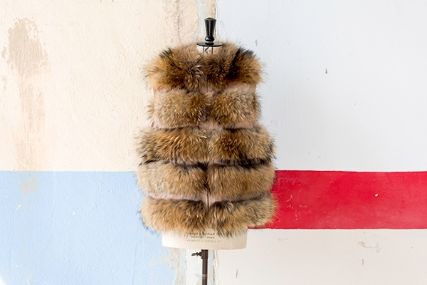 Picture of NATURAL FOX VEST - S