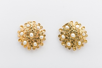 BLOSSOM EARRINGS- PEARL