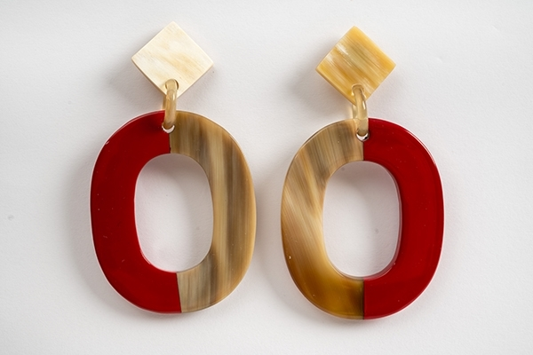 Picture of MIRÓ HORN EARRING RED