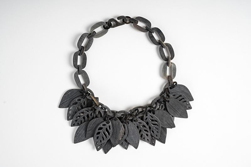 Picture of FOREST HORN NECKLACE MATT GREY