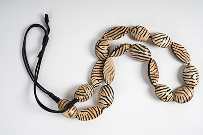 Picture of ZEBRA HORN LONG NECKLACE