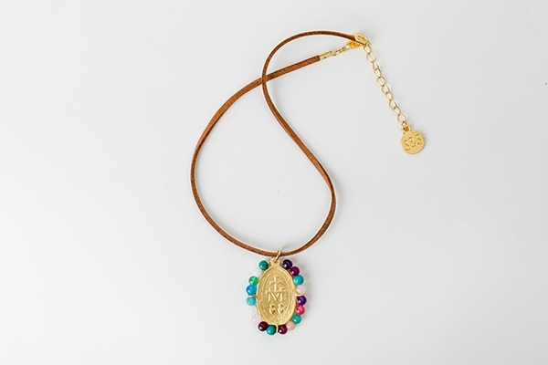 Picture of MEDAL NECKLACE - LEATHER AND MULTICOLOR