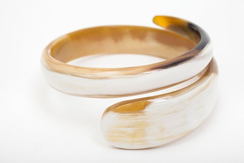 Picture of SNAKE HORN BANGLE - NATURAL