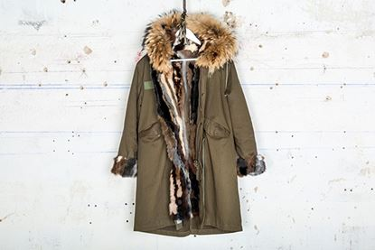 Foto de MINK MILITARY PARKA & FOX -SHORT