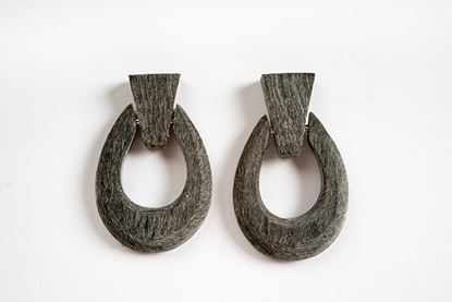 Picture of HERRADURA HORN EARRING MATT GREY