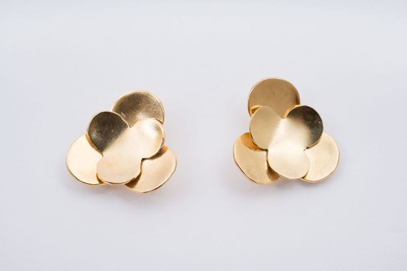 Picture of MINI CAMELIA EARRING