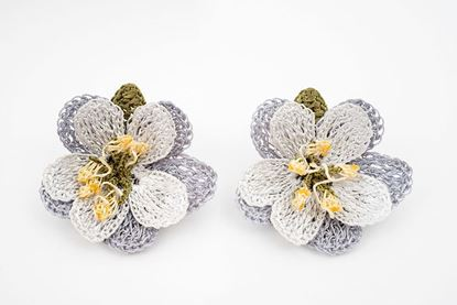 Picture of 50´s FLOWER EARRING - GREY