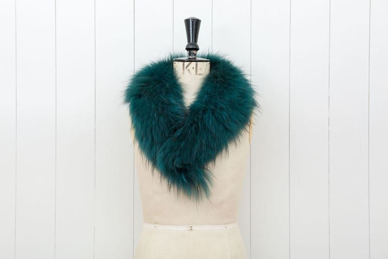 Picture of GREEN FOX COLLAR WITH CLIPS