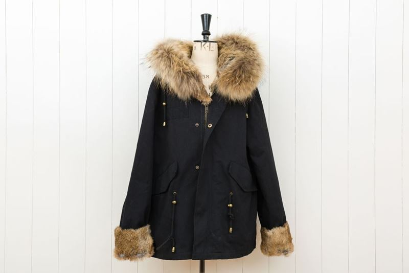 Foto de FUR BLACK SHORT PARKA RABBIT/FOX