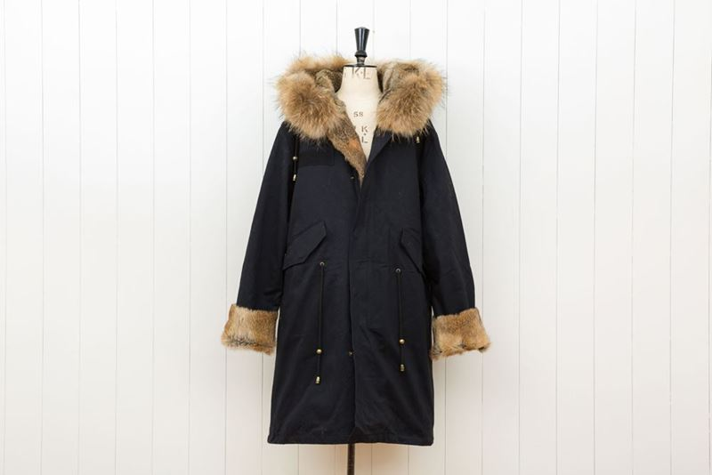 Foto de FUR BLACK LONG PARKA RABBIT/FOX