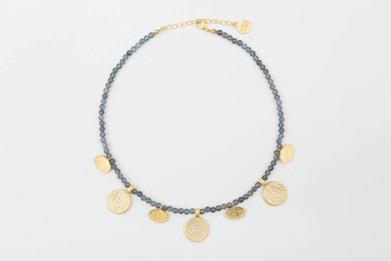 Picture of ORIENTAL SHORT NECKLACE GREY