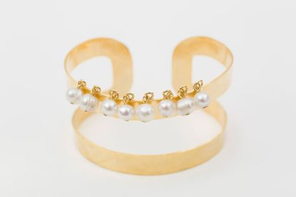 Picture of TWO LINE CUFF BRACELET - PEARL