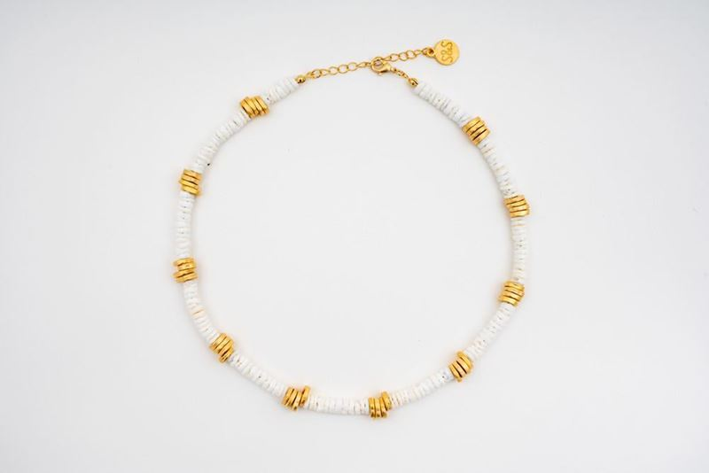 Picture of PANTONE SHELL NECKLACE