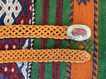 Foto de PLAITED ORANGE BELT