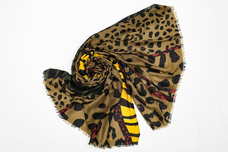 Picture of ANIMAL PRINT SCARF - GREEN
