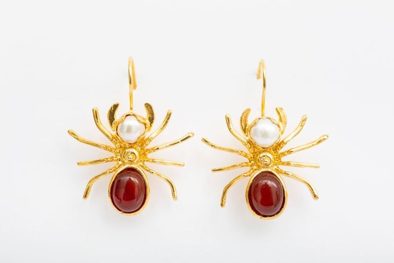 Picture of SPIDER EARRING - MAROON