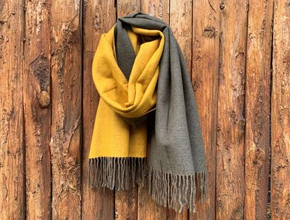 Foto de DOUBLE SIDED CASHMERE SCARF - MUSTARD/MILITARY GREEN